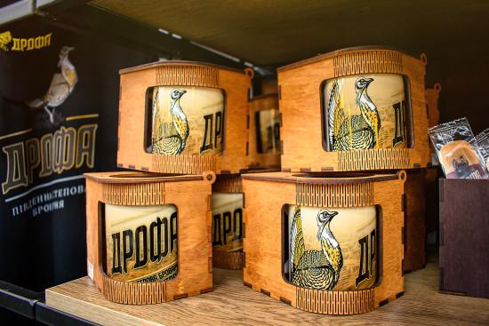 Брендированная чашка в деревянной упаковке